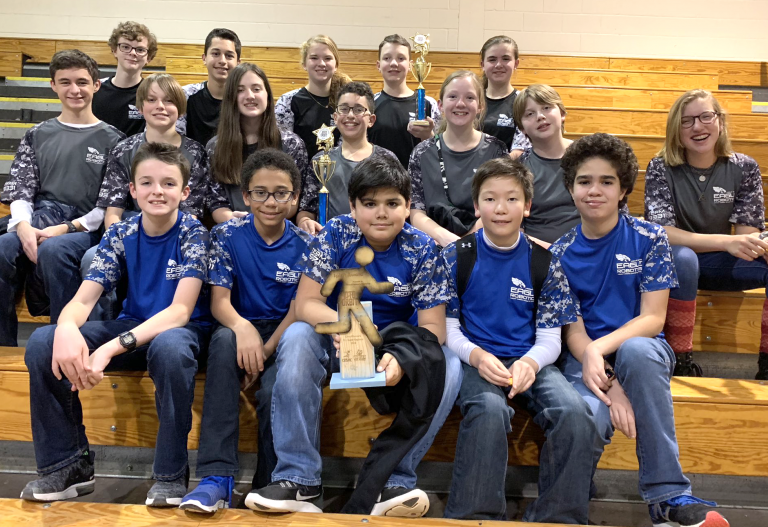 Middle School Robotics Reaps Awards